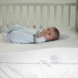 Jaki materac dla niemowlaka do łóżeczka?  5 przydatnych porad.