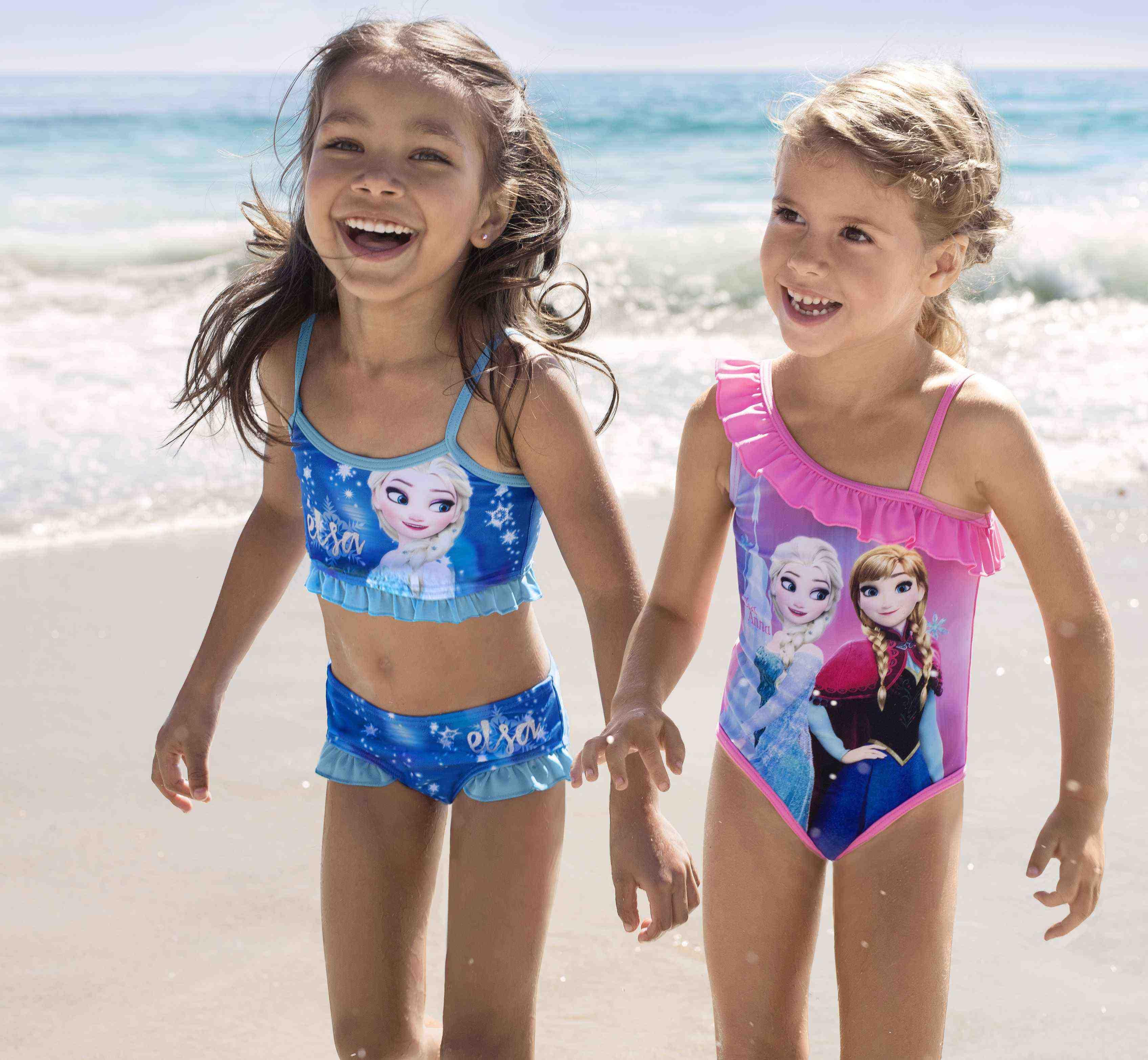 Maluch na wakacjach. Niezbędnik na plażę (i nie tylko) dla zabieganych rodziców